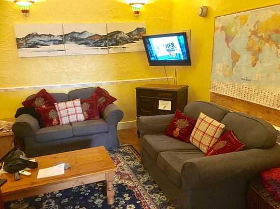 Chase The Wild Goose Hostel: TV Lounge