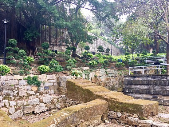 Photo of Historic Site Monte Forte (Fortaleza do Monte) at 澳门半岛中央柿山之上, Macau, China