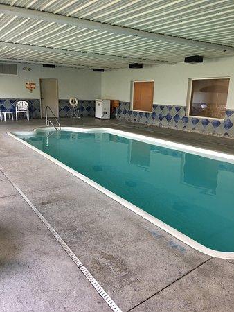 Lawrenceburg, IN: pool