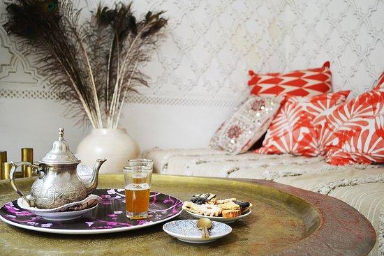 P'tit Habibi: welcome tea and snacks