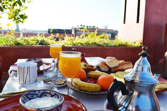 P'tit Habibi: Breakfast on the rooftop