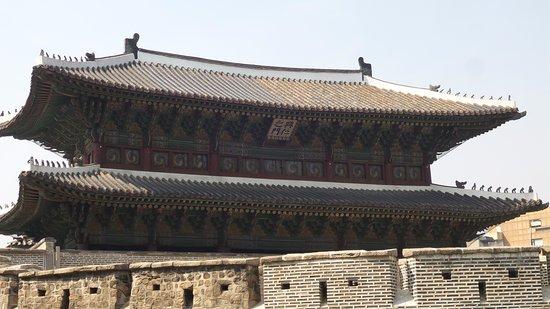 Dongdaemun Gate (Heunginjimun) : gate
