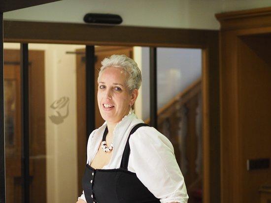restaurantleiterin stephanie brem bayrischzellhotel der alpenhof tripadvisor. Black Bedroom Furniture Sets. Home Design Ideas