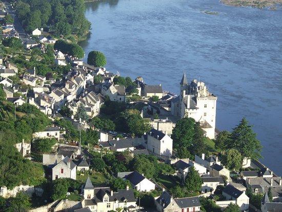 Chateau de Montsoreau, le seul château de la Loire construit dans le lit du fleuve