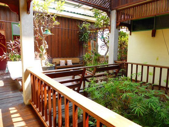 Pak Chiang Mai: Staircase
