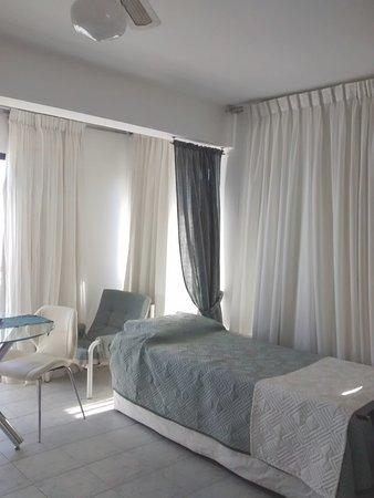 Hotel Ricadi: otro sector de la habitación