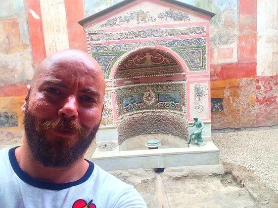Lucia Pompeii Guide Tours: Pompeii
