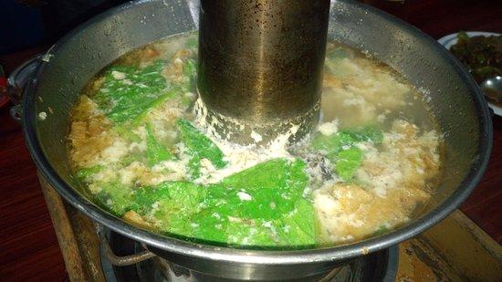 Tarakan, Indonesia: 食べかけですけど海鮮鍋です