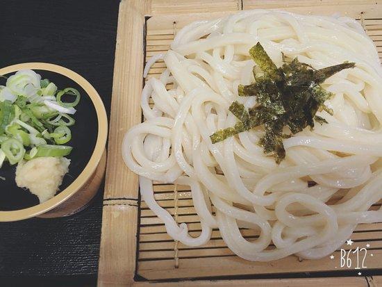 Kamogawa : ざるうどん 550円(税込)*ざる蕎麦もあります