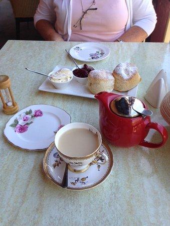 Old Post Office Tearooms: Cream tea