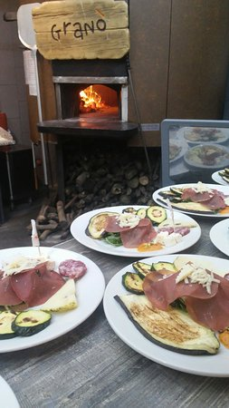 San Giovanni la Punta, Italia: Granó, pizza e......