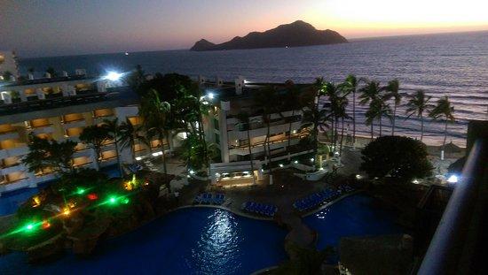 El Cid El Moro Beach Hotel: IMAG2168_large.jpg