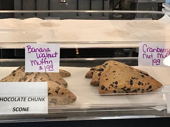 Charleston, Wirginia Zachodnia: Scrambled eggs platter, fresh baked scones, and miscellaneous.