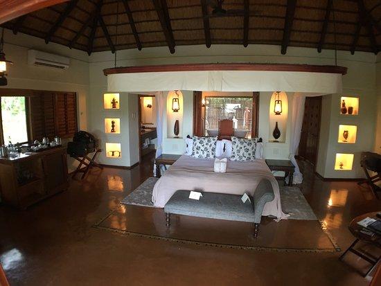 Sanctuary Chobe Chilwero: Main bedroom