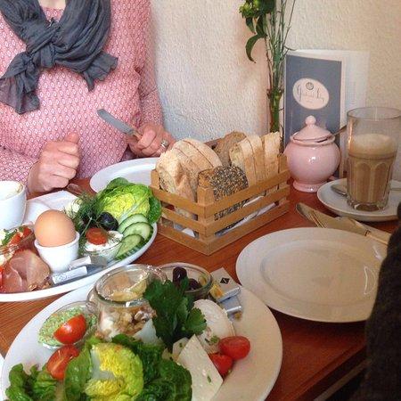 Cafe Glück Und Selig Picture Of Cafe Glueck Und Selig Hamburg