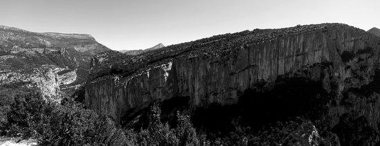 La Palud sur Verdon, Prancis: panorama da una delle piazzole di sosta lungo la Route des Cretes, agosto 2016