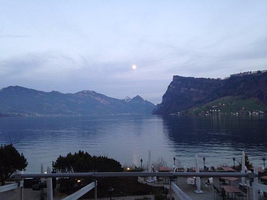 Kastanienbaum, Swiss: Terasse au bord du lac