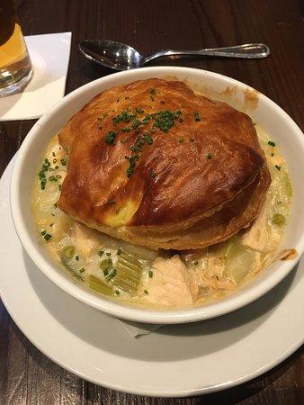 Annie Moore's Bar & Restaurant: Chicken Pot Pie
