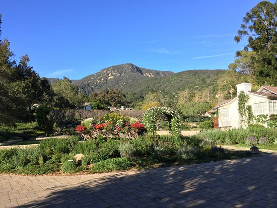 San Ysidro Ranch, a Ty Warner Property: SYR grounds and a cottage
