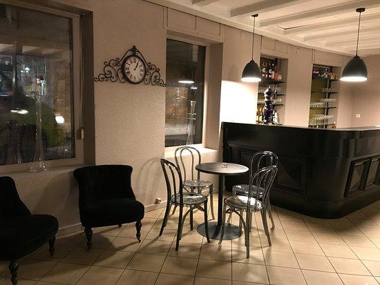 Cafe Theatre Le Burlesque: Le Bar