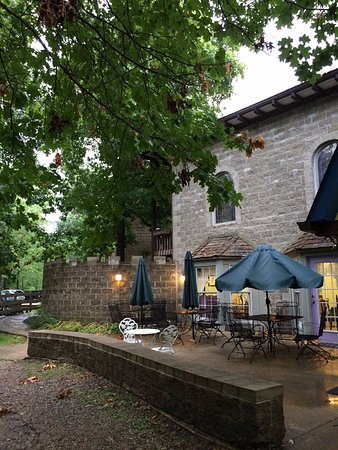 New Plymouth, OH: Castle patio