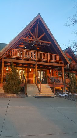 Pine Lakes Lodge: 20170312_191747_large.jpg
