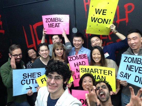 Room Escape Adventures: Zombie Selfies are too brainy!