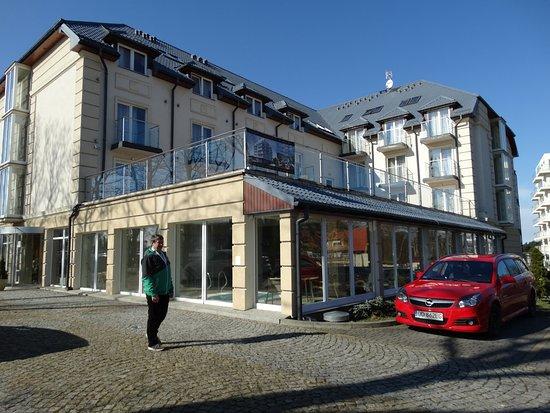 Jaroslawiec, Poland: Przed hotelem