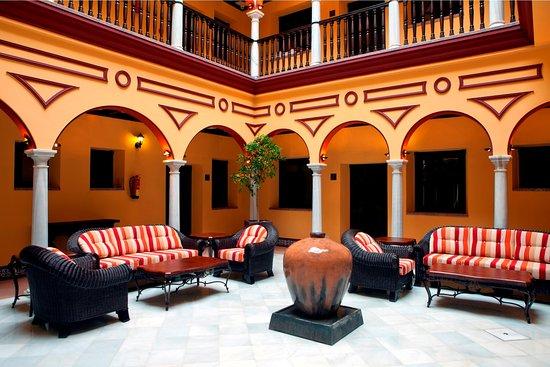 Itaca sevilla hotel s ville espagne voir les tarifs - Seville hotel piscine ...