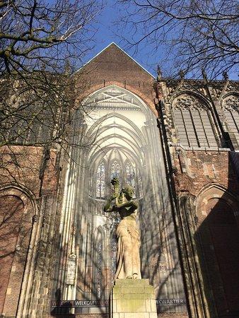 Catedral (Domkerk) e a Torre da Catedral (Domtoren): photo0.jpg
