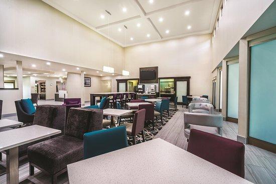 Interior - Picture of La Quinta Inn & Suites by Wyndham Loudon - Tripadvisor