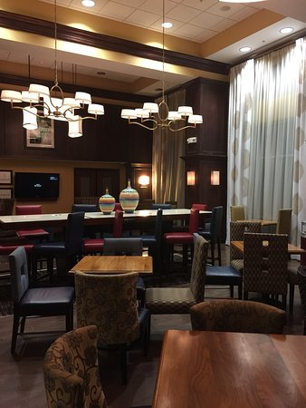 Hampton Inn & Suites Cleveland-Beachwood : photo0.jpg
