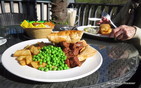 The Ship Inn: steak & kidney pie, simply the best.