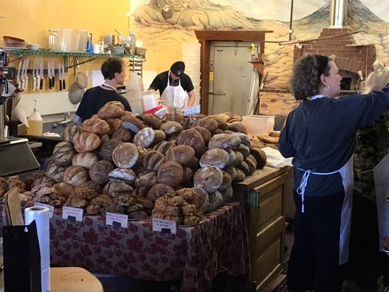 Freestone, CA: Bread - it's what they do