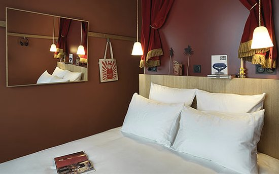 mob hotel saint ouen voir les tarifs 120 avis et 99. Black Bedroom Furniture Sets. Home Design Ideas