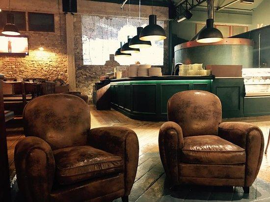 keller garage obr zek za zen keller garage prato tripadvisor. Black Bedroom Furniture Sets. Home Design Ideas