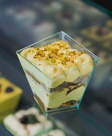 Pistachio Tiramisu  Mascarpone Cheese, Pistachio cream, Savoiardo verona, chips chocolate, Italian coffee, chopped pistachio.  .Pistachio cream from Bronte, sicily. The pistachio from Bronte is one of the best in the world, combined with the creaminess of  Mascarpone cream, they become the perfect union, you just have to try it.  In our shop you will find many other types of tiramisú.