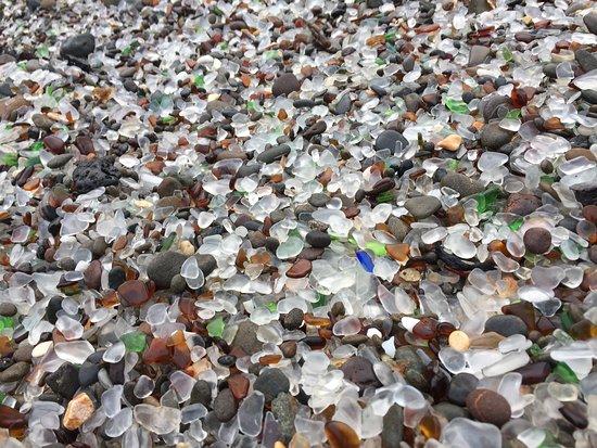 Стеклянный пляж: Sea Glass Beach