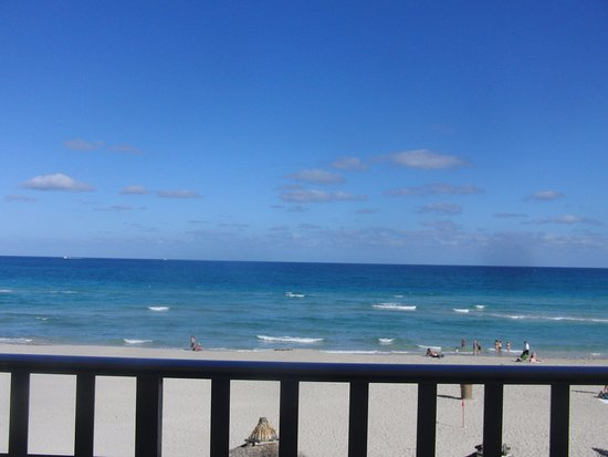 Days Hotel Thunderbird Beach Resort Sunny Isles Florida