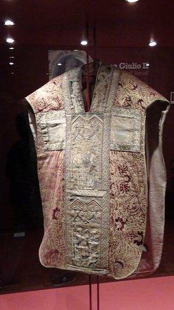 Museo del Tesoro del Duomo: Paramento di papa Giulio II