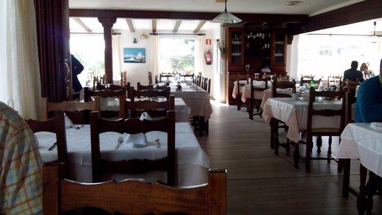 Montserrat: Salón comedor.