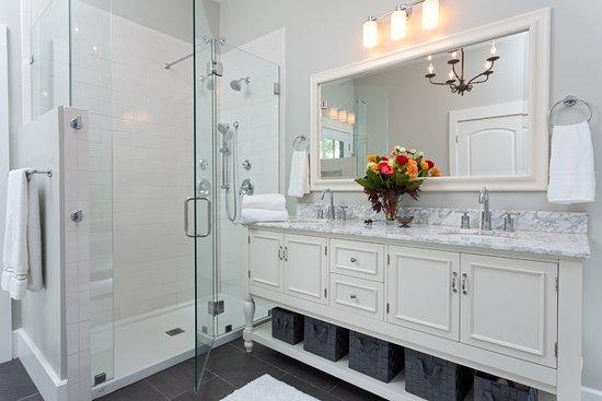 Afton, VA: Founders Suite Glass Shower & Double Vanity
