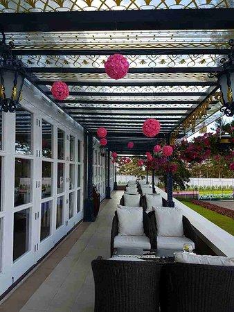 Dalat Palace Heritage Hotel: image-0-02-06-2b8dac7f225e06ddb6d987a9b3d1e0701967516ee22d6dbb06a894c627035844-V_large.jpg