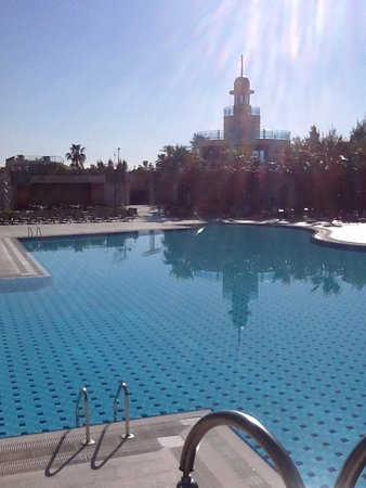 Commodore Elite Suites & Spa: Outdoor Pool
