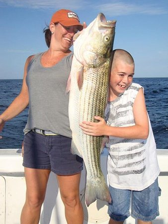 Chatham, MA: Happy Faces on Capeshores Charters !