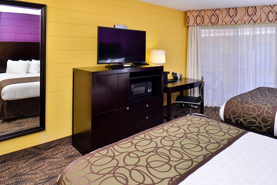 Red Lion Inn & Suites Walla Walla: Two Queen Beds