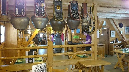 Les Paccots, Suiza: Le Tsalè