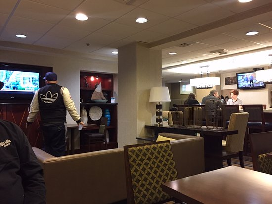Comfort Inn Downtown DC / Convention Center: This is the room that daily hot breakfast is served in.