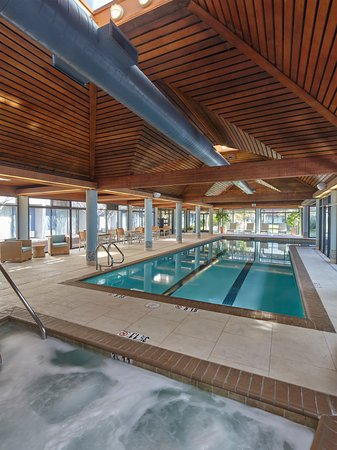 Indoor Lap Pool with Whirlpool - Picture of DoubleTree by Hilton ...