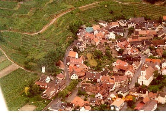 Achkarren (links unten Restaurant Hotel Krone)